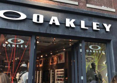 Gevelletters Oakley Store Amsterdam