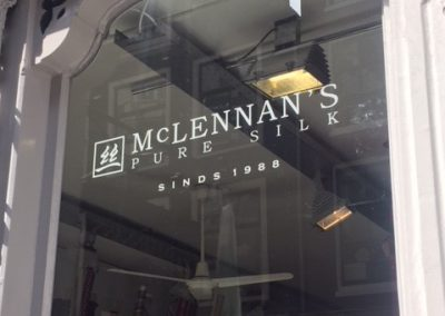 Raambelettering McLennan's Pure Silk